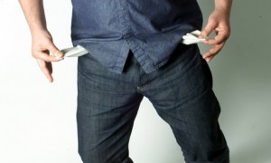 -A-man-with-empty-pockets-002